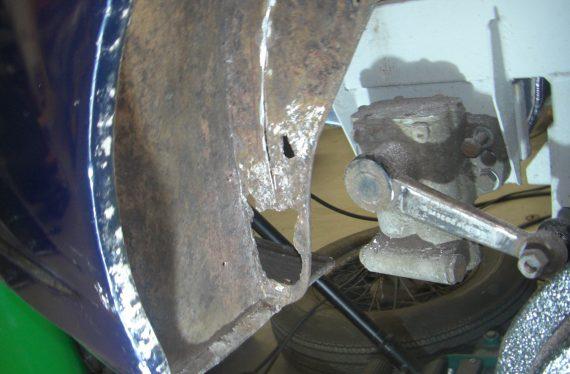 Aston Martin DB2/4 rust