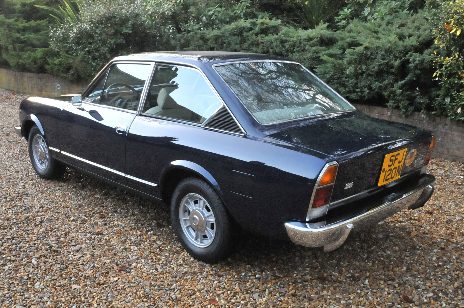 1974 fiat 124 sports coupe 1800 for sale 01420474411 lca. Black Bedroom Furniture Sets. Home Design Ideas